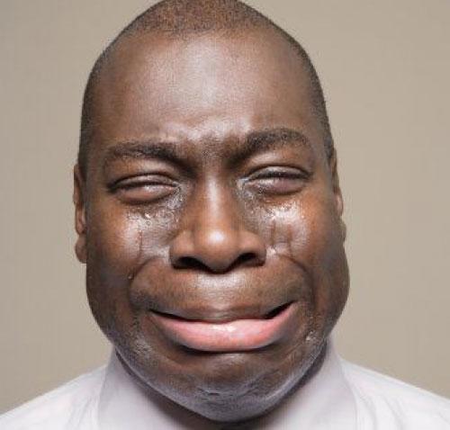 رجل يبكي لماذا يبكي الرجل كارز