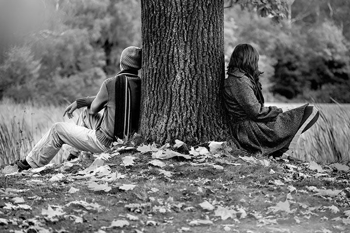 صورة قصص حب حزينة , صور عبارات حزينة عن الحب 6538 8