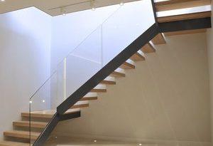 بالصور تفسير حلم نزول الدرج , شرح رؤية نزول السلم في المنام 11153 2 300x205