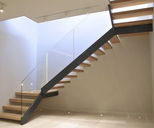 صورة تفسير حلم نزول الدرج , شرح رؤية نزول السلم في المنام