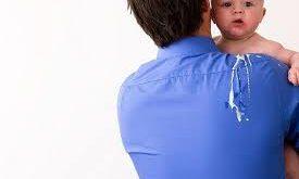 صور اسباب القيء عند الرضع , علامات القئ للطفل الرضيع