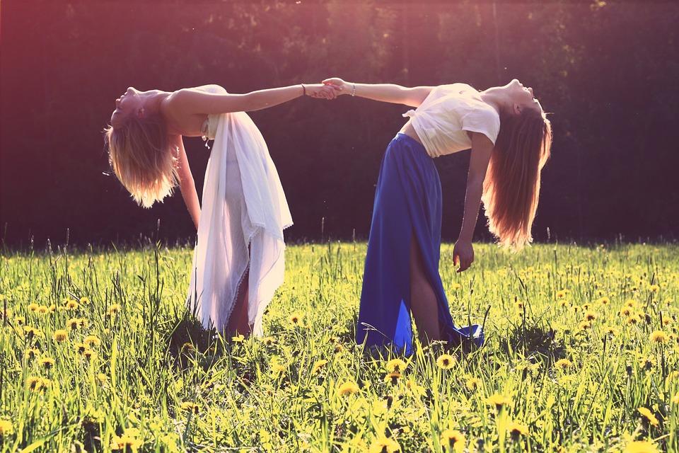 صورة صور اطفال اصدقاء , ما اجمل اصدقاء الطفولة