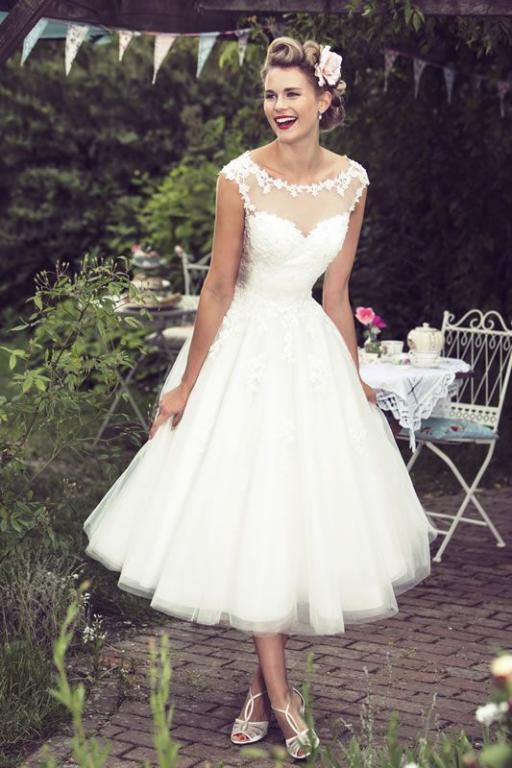 صور فستان عرس قصير , لم اجد اجمل من الفساتين البيضاء للعرس