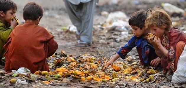 صورة مقالة عن الفقر , كيف يغير الفقر في سلوك الانسان