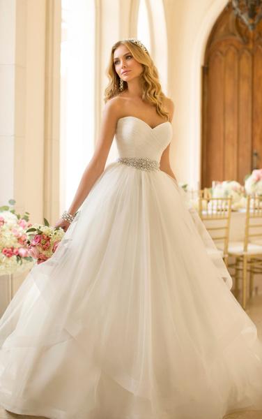 صورة فساتين بدلات اعراس , اجمل فساتين الزفاف في البلاد العربية والعالمية 10801 4