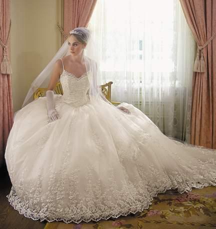 صورة فساتين بدلات اعراس , اجمل فساتين الزفاف في البلاد العربية والعالمية 10801 7