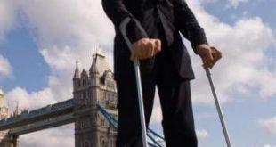 صورة اطول رجل في العالم , يا ترى كم يبلغ طولة