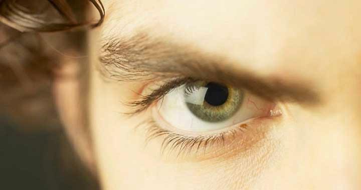 صورة عيون رجال جميلة , للعيون سحر خاص بيه جمال عيون الرجال 10434 8