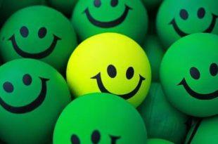 صورة كيف اكون سعيدة , حاجات بسيطه والسعاده تكون بين اديكى