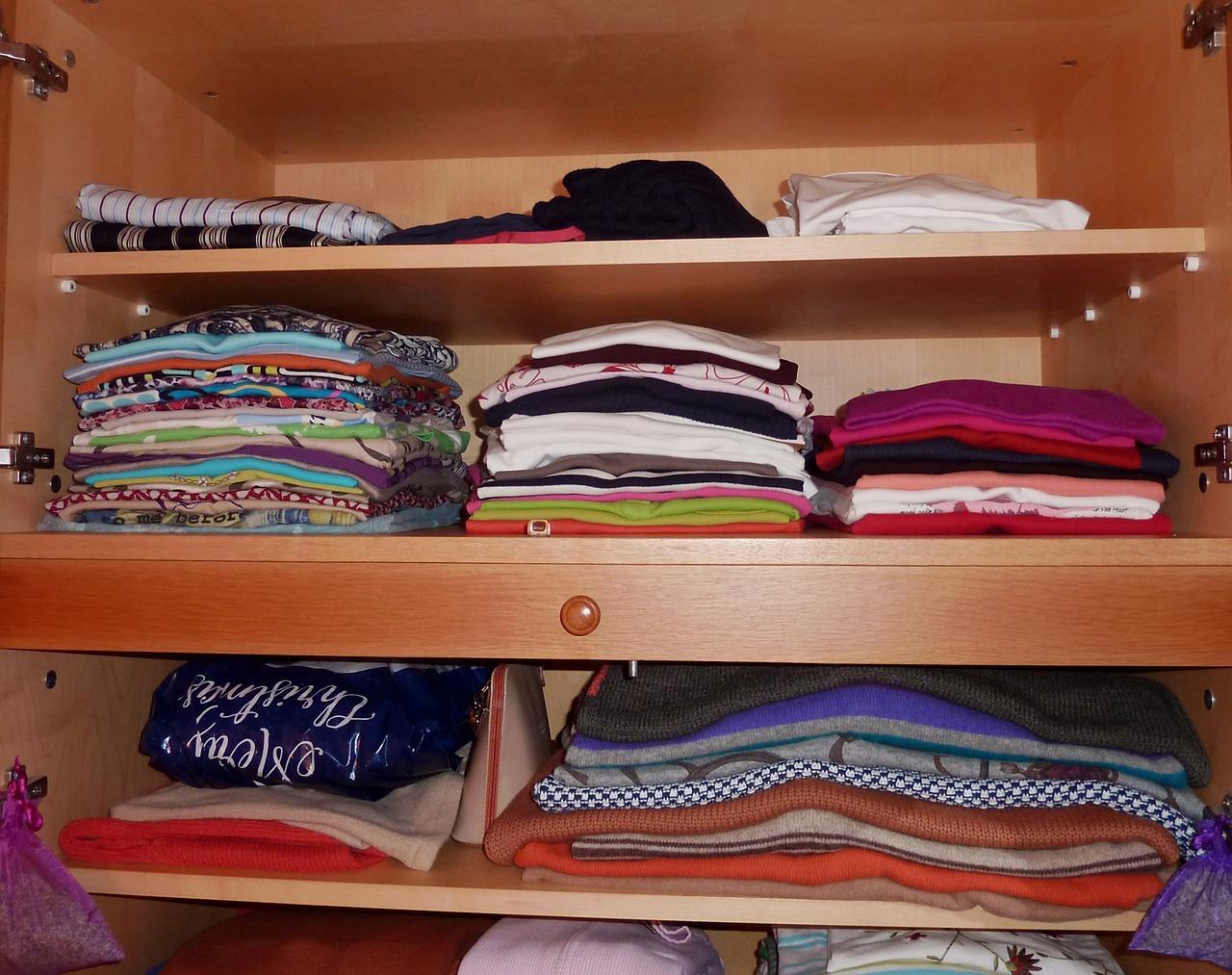 صورة طريقة ترتيب الملابس , طرق ترتيب الملابس 5239 6